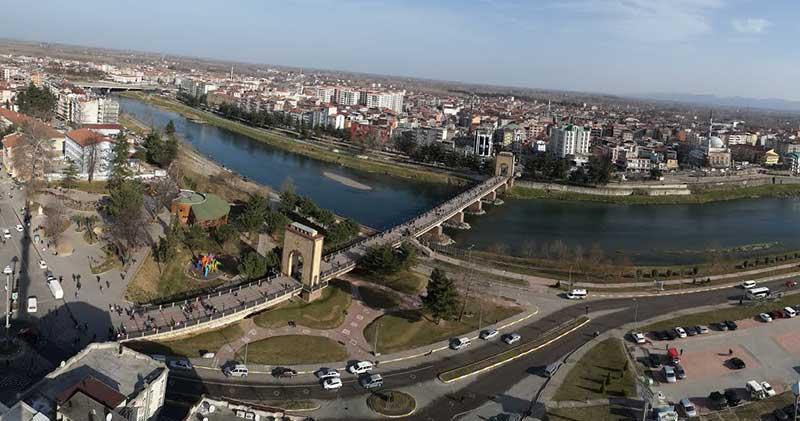 Tarihi Çarşamba Köprüsü
