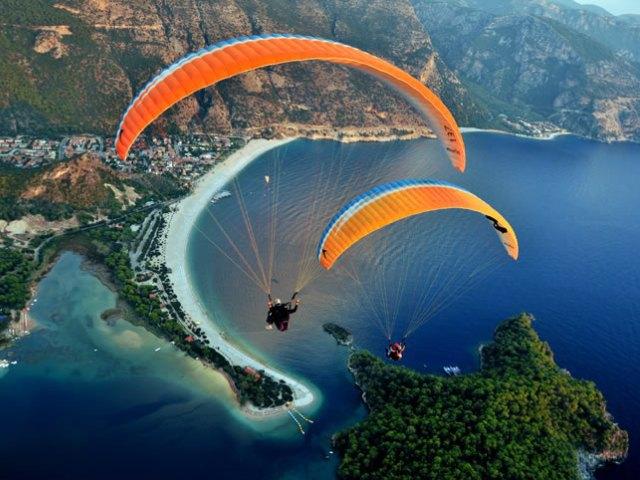 Adrenalin Dolu Bir Deneyim: Yamaç Paraşütü