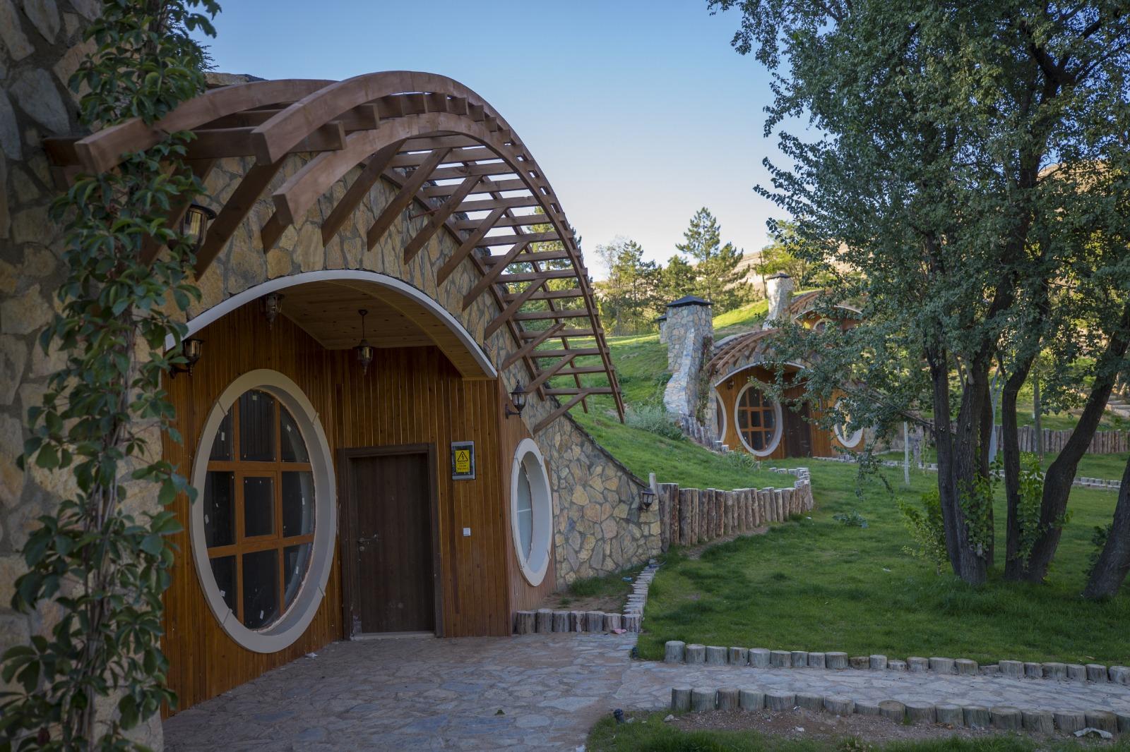 Sivas Hobbit Evleri, Yamaç Evleri Rezervasyon