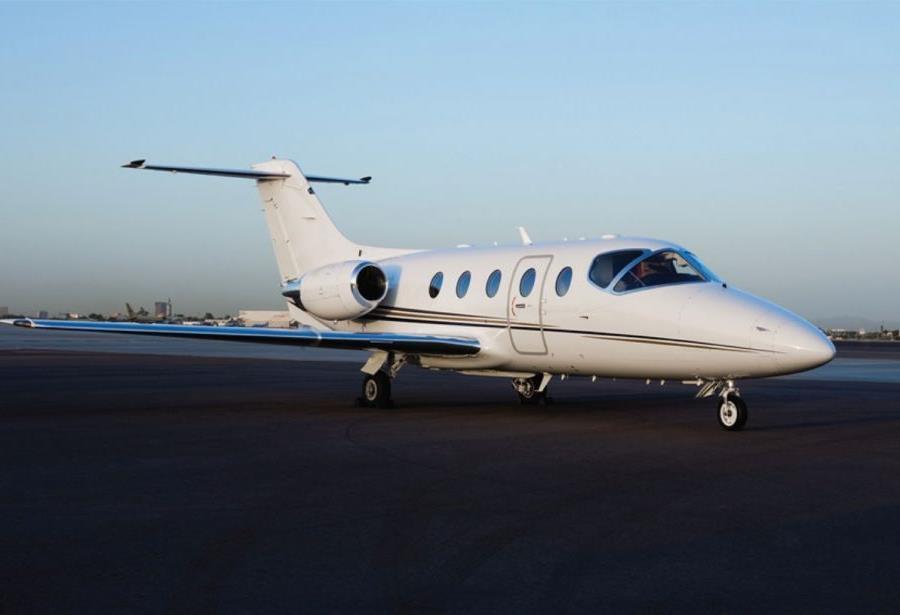 hawker 400 özel jet